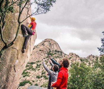 9-3-destinos-cercanos-donde-practicar-bouldering-1.jpg