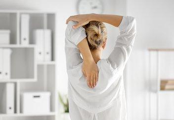 ejercicios-mejorar-postura-espalda.jpeg