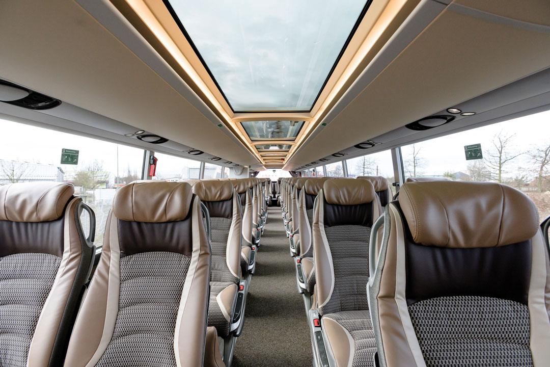 Panorama-Glasdach im 5 Sterne superior Bistrobus