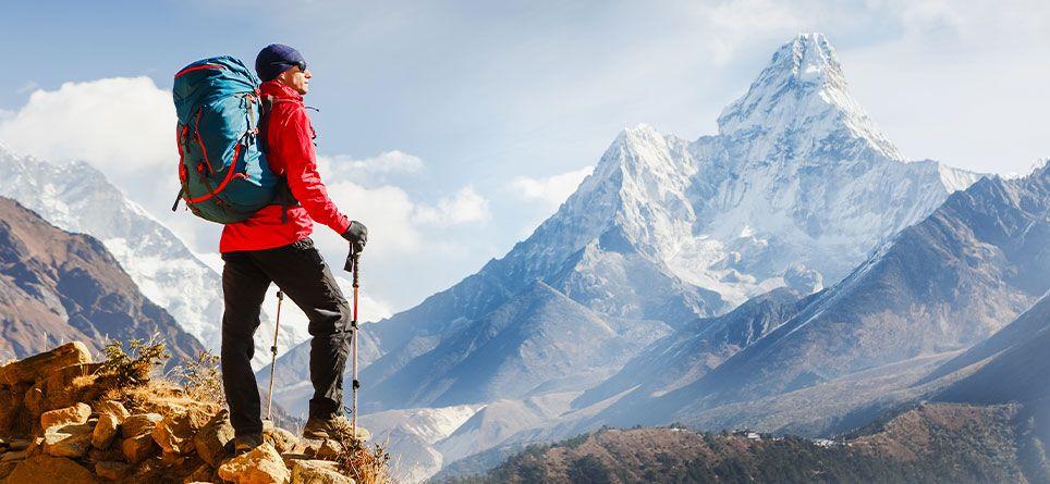 Wanderurlaub - die Aussicht vom Gipfel genießen