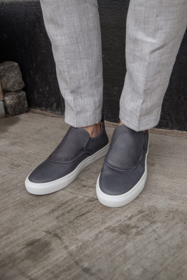vegetable tanned, ecological sneakers with recycled rubber soles