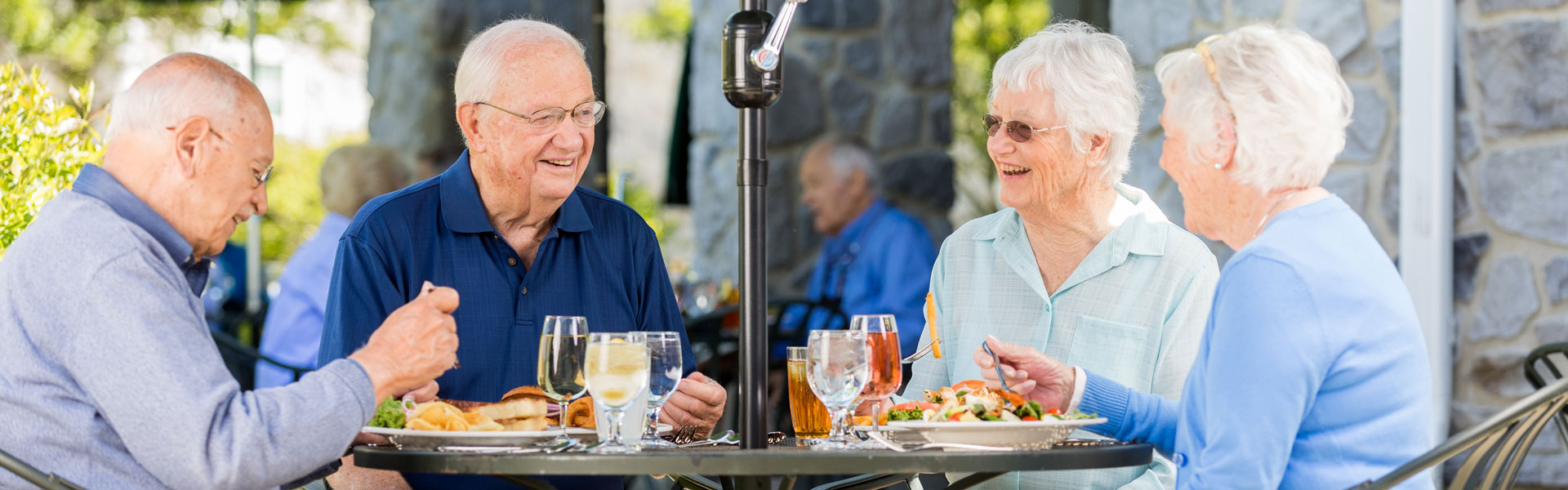 StoneRidge Independent Living Residents Eating Outdoors