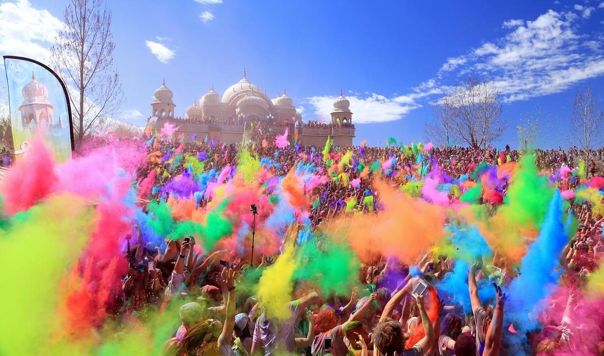 過激さ世界一!インド ホーリー祭に参加するには!?行き方や注意点を解説!