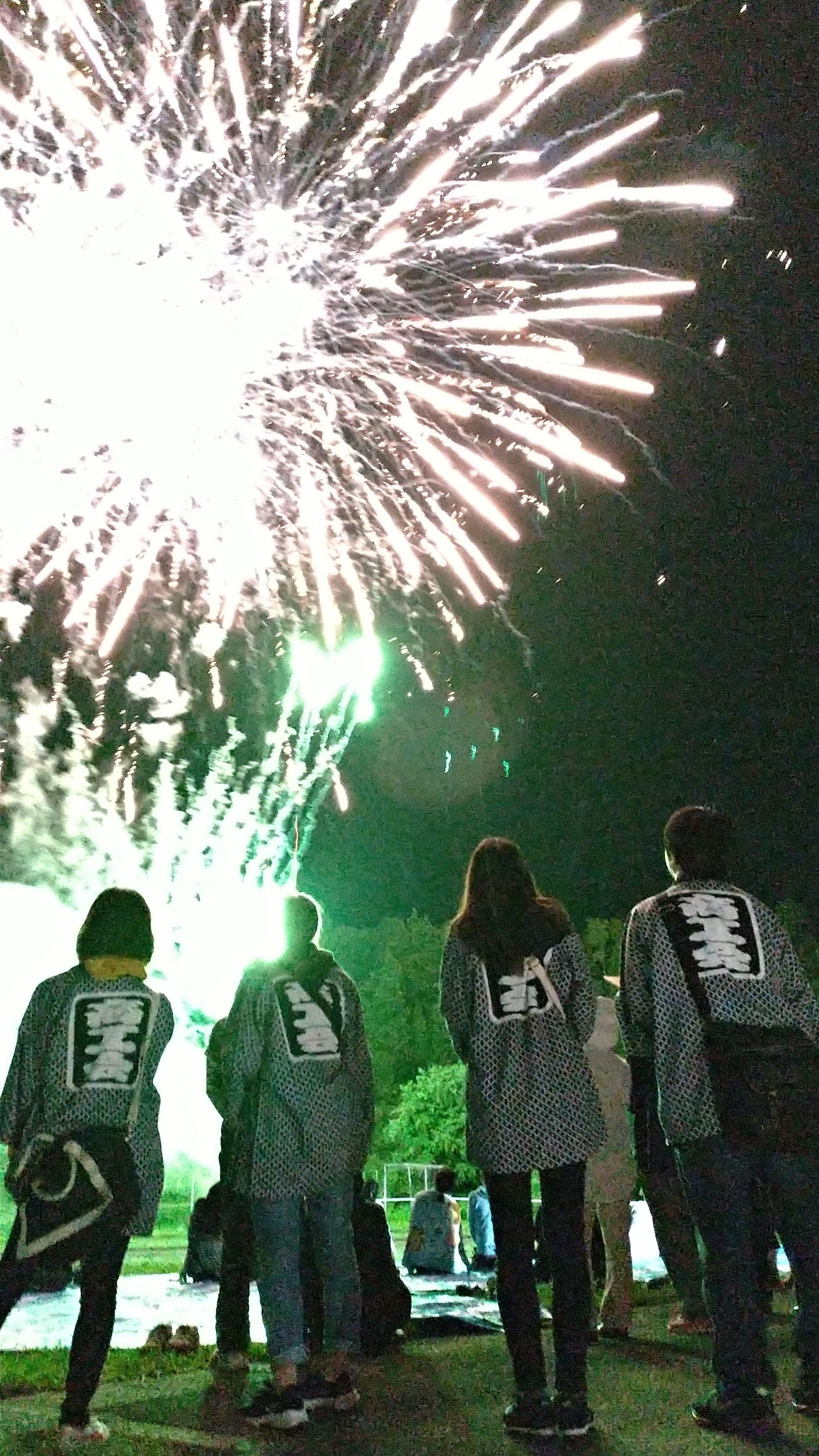 毎年恒例のミニ花火で1日目は終わり。
