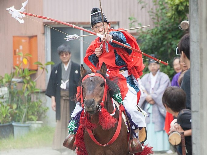 小室浅間神社流鏑馬祭りは、的に当たらない?〇〇が行われるユニークな神事をご紹介!