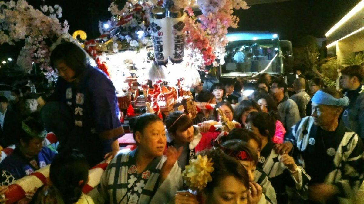 「石和温泉花みこし」満開の桜と艶やかな神輿体験 観光経済新聞