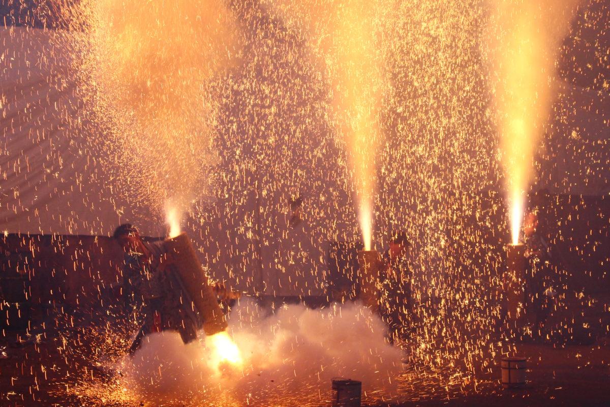 羽田八幡宮例大祭を彩る豊橋名物・手筒花火!2日で800本打ち上げられる!?