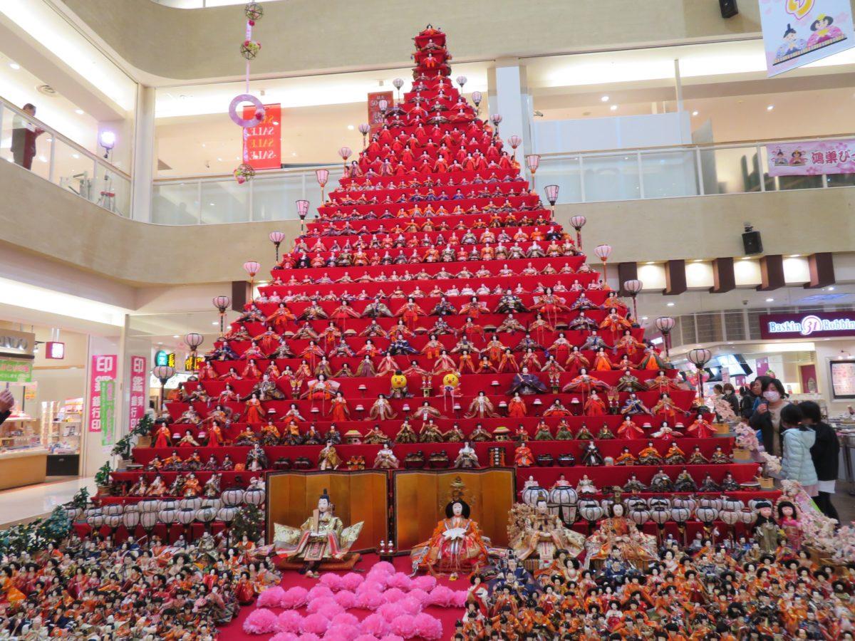 【鴻巣びっくりひな祭り】エルミこうのすに設置される日本一高いピラミッドひな壇
