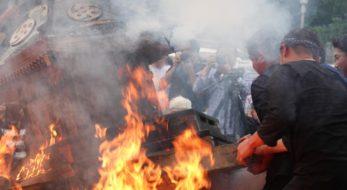 「宇出津のあばれ祭り」神輿が炎の中に投げ込まれる|観光経済新聞