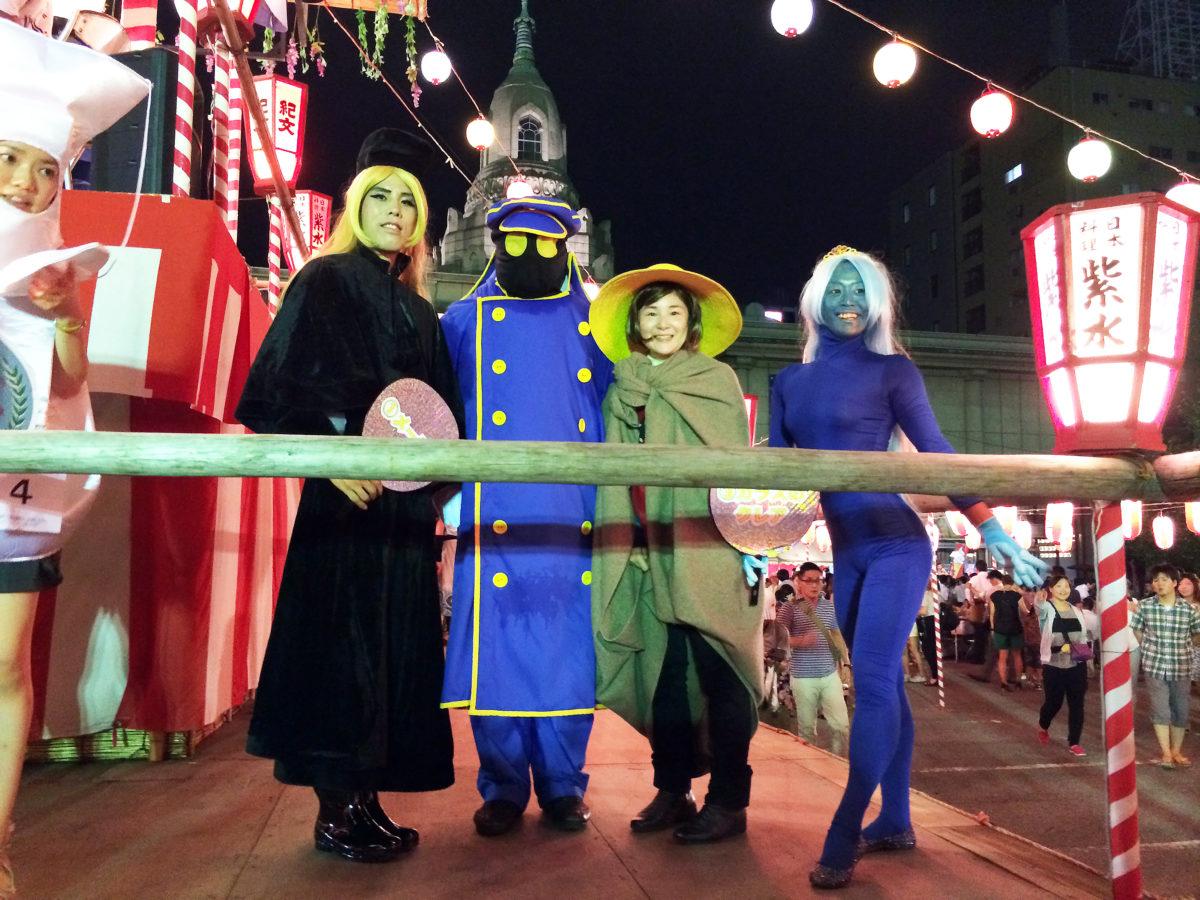 毎年3日目に開催される仮装大会。筆者も毎年参戦しており、この年は仮装仲間、通称『仮装研の女(仮)』と共に『銀河の旅人』として挑戦