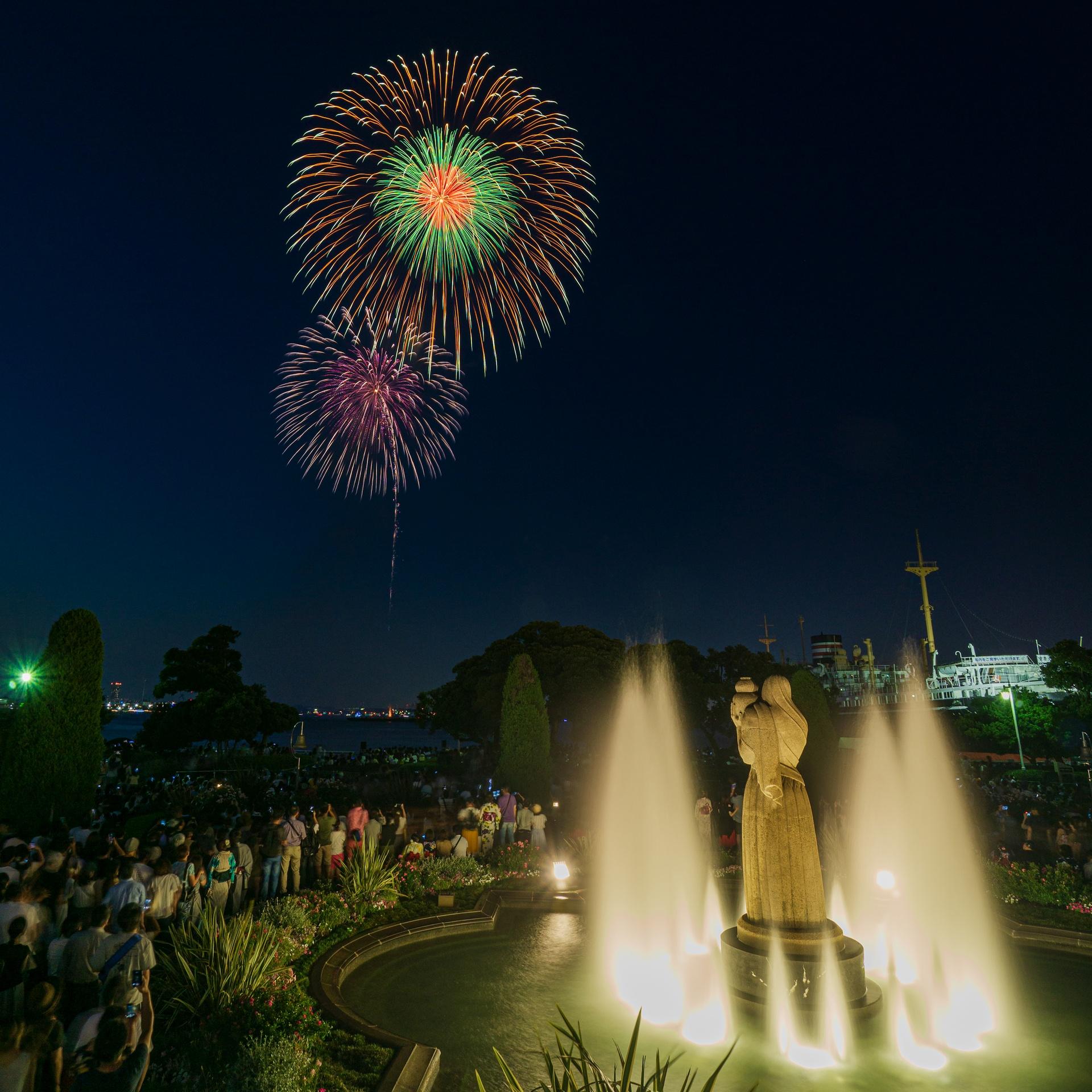横浜スパークリングトワイライトの花火