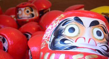 だるまとは?歴史や意味、全国のだるまに関わるお祭りを紹介!