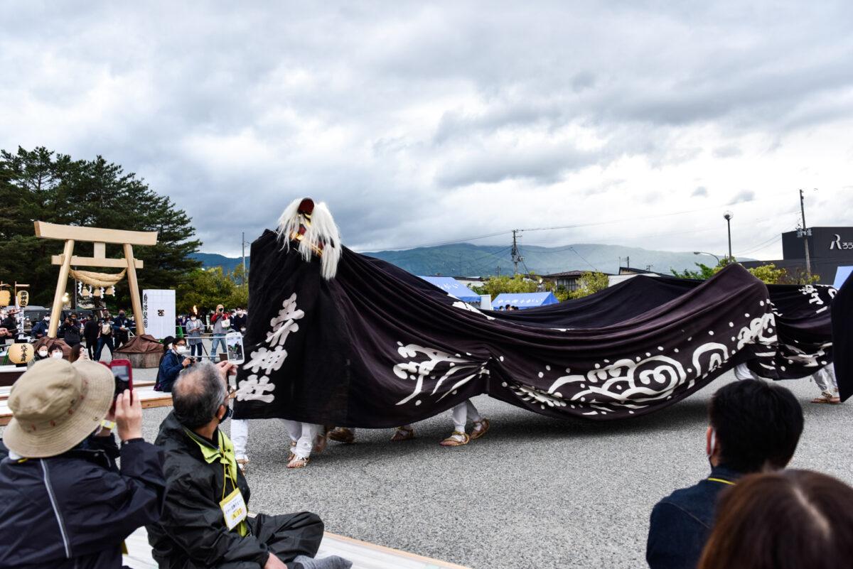 山形県でながい黒獅子まつりを開催!大きく躍動感あふれる舞いの様子・その始まりとは?