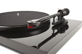Project Debut Carbon turntable Black with arm