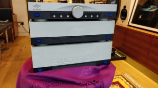 siltech saga amplifier close up 2