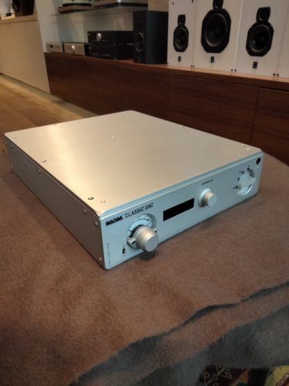 Nagra Classic Dac side front
