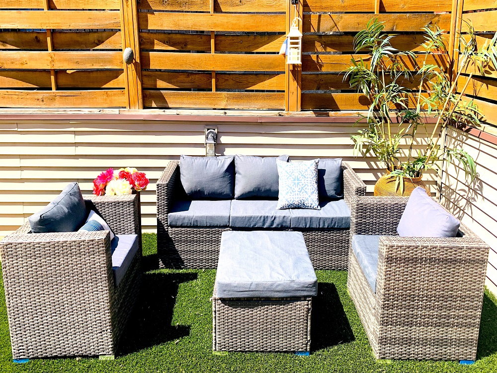 Rent Patio Outdoor 2 Chairs and Loveseat Lounging Set - Oak Park II