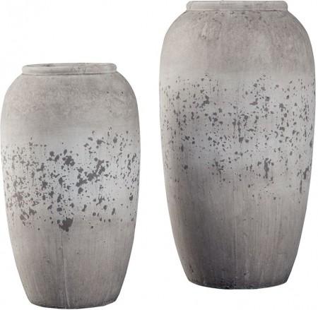 inhabitr-grey-vase-set-1591722458.jpg