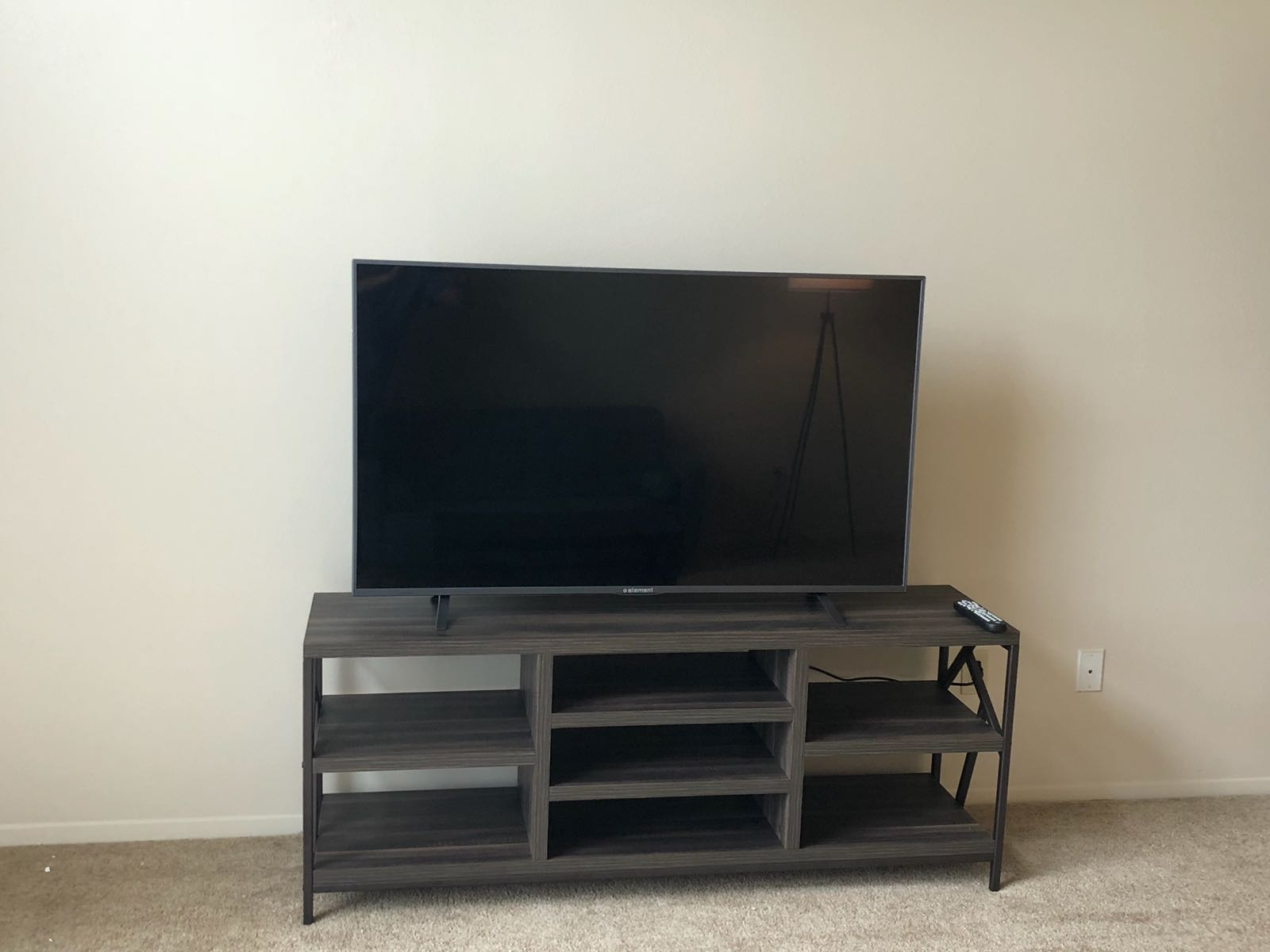 Vedal TV Stand 2.jpg