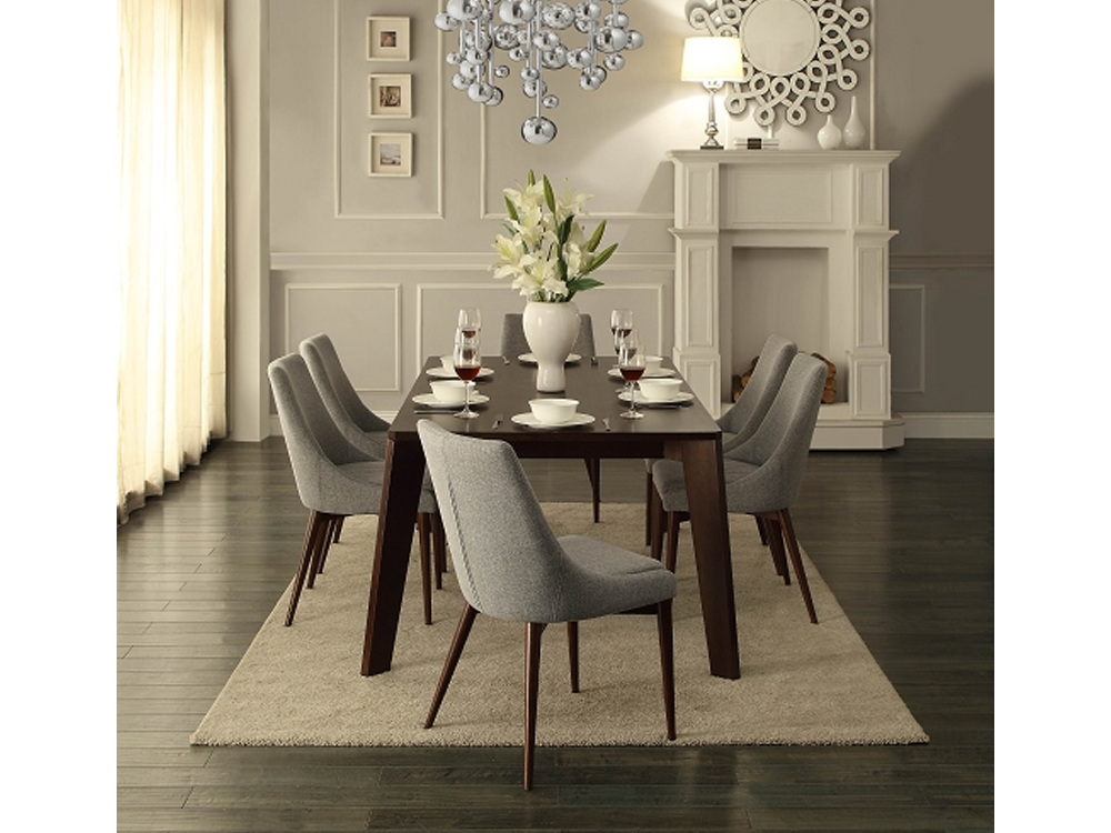 Rent Grape Dining Table