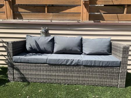 Rent Patio Outdoor Sofa - Oak Park
