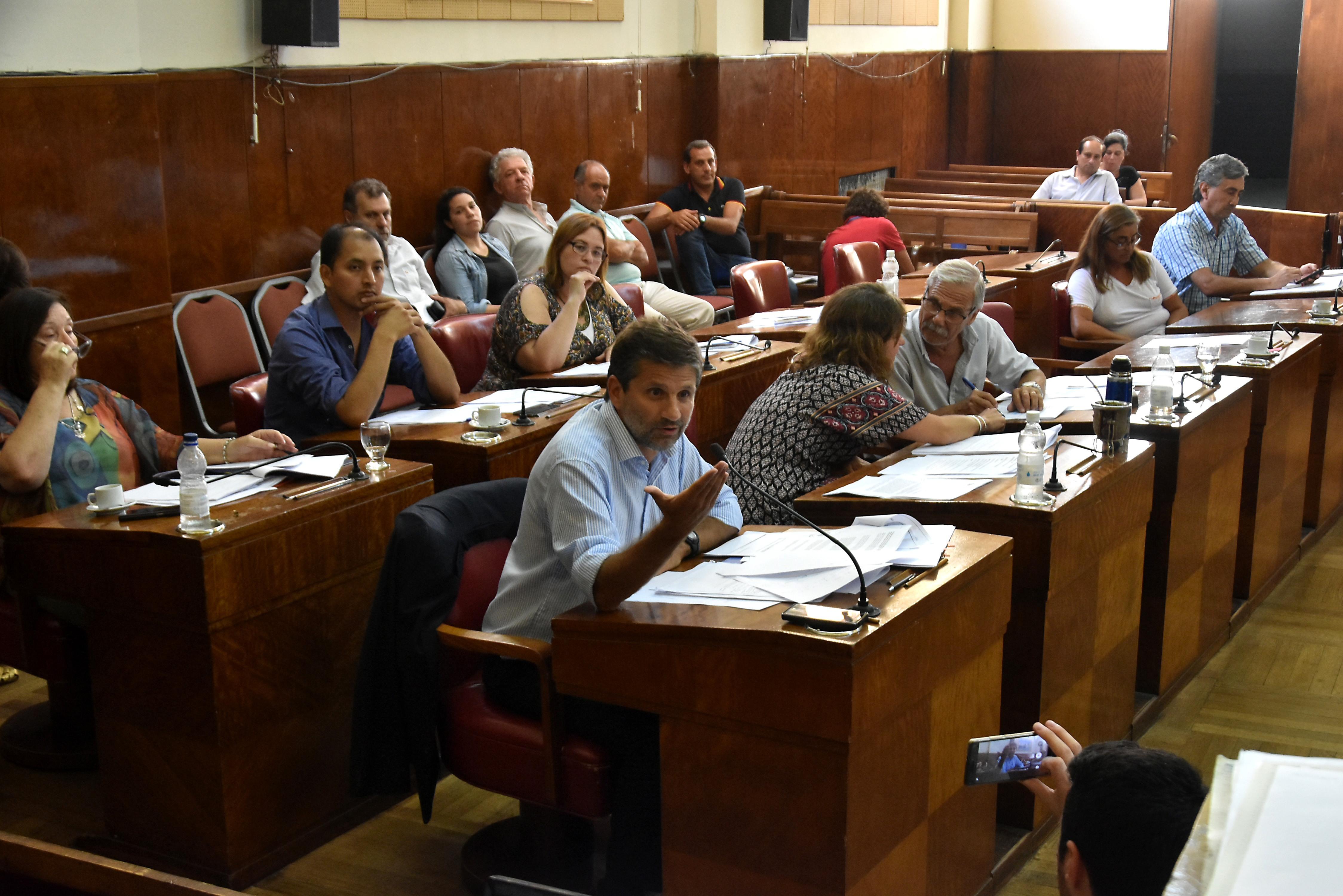 El Concejo trata el aumento del boleto