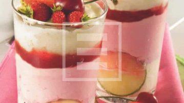 Semifreddo ultrafresco con lime e frutti rossi. La ricetta illustrata