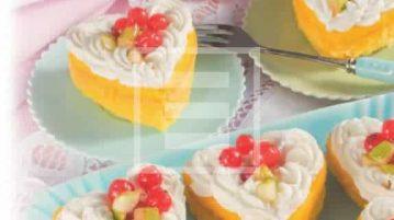 """Tortine """"Cuoricini"""" con limone frutta fresca e mandorle"""