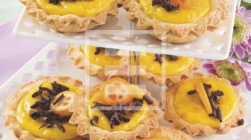 Crostatine con crema cotta e decorazione al kumquat