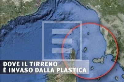 Risultati immagini per isole di plastica nel Mediterraneo