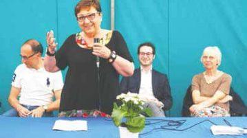 OLYMPUS DIGITAL CAMERA Graziella Rossi durante un incontro all'Asilo dei Vecchi di San Germano Chisone