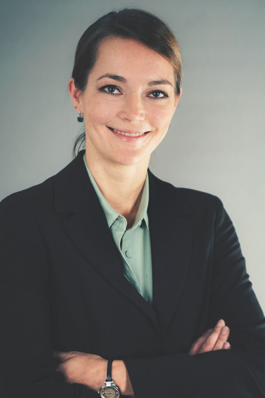 Karina Jeleniowski klassisch