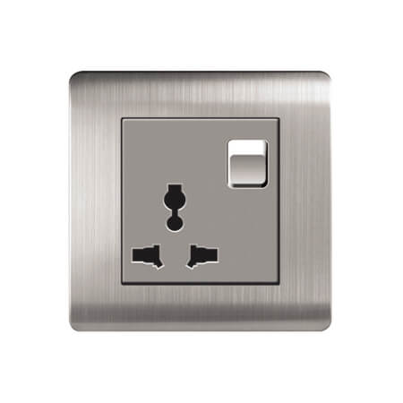 LightingZone 16A 3 Pin Universal Socket with Switch