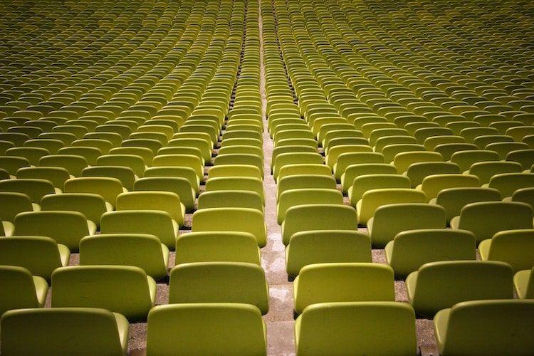 Places assises d'un stade