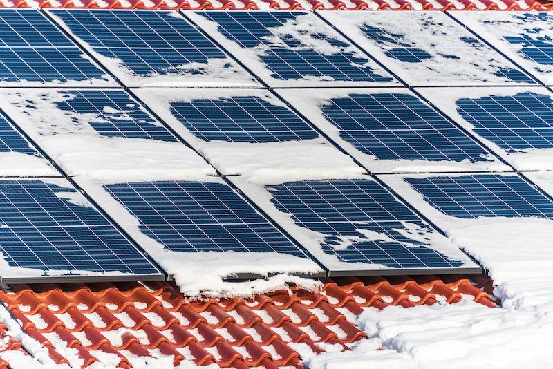 Fotovoltaika 2021 a instalování v zimě.