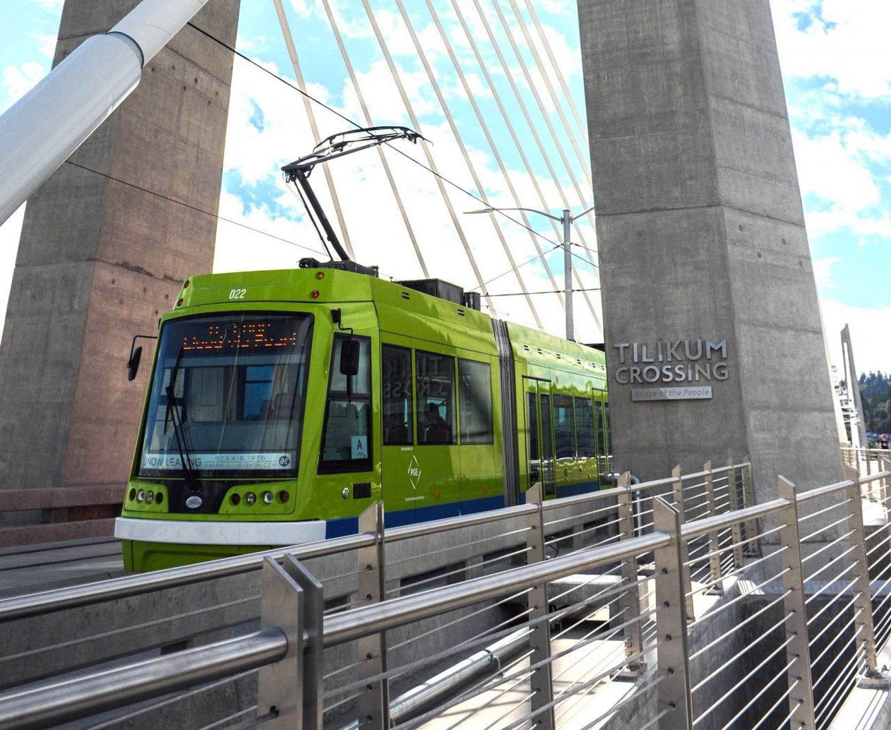 Streetcar on the Tilikum Crossing