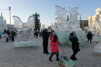 Do Russians go outside in winter?