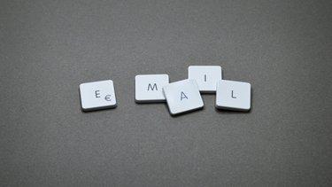 Jak napisać maila z CV?