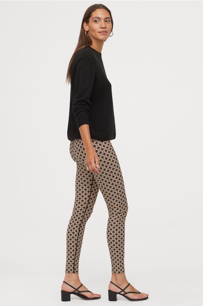 OOTD - How to Style your H&M-Patterned Leggings - Black/patterned