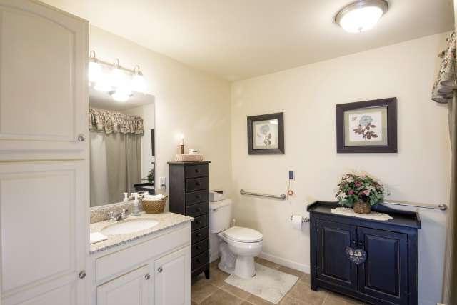 Summit At Eastwyck Bathroom