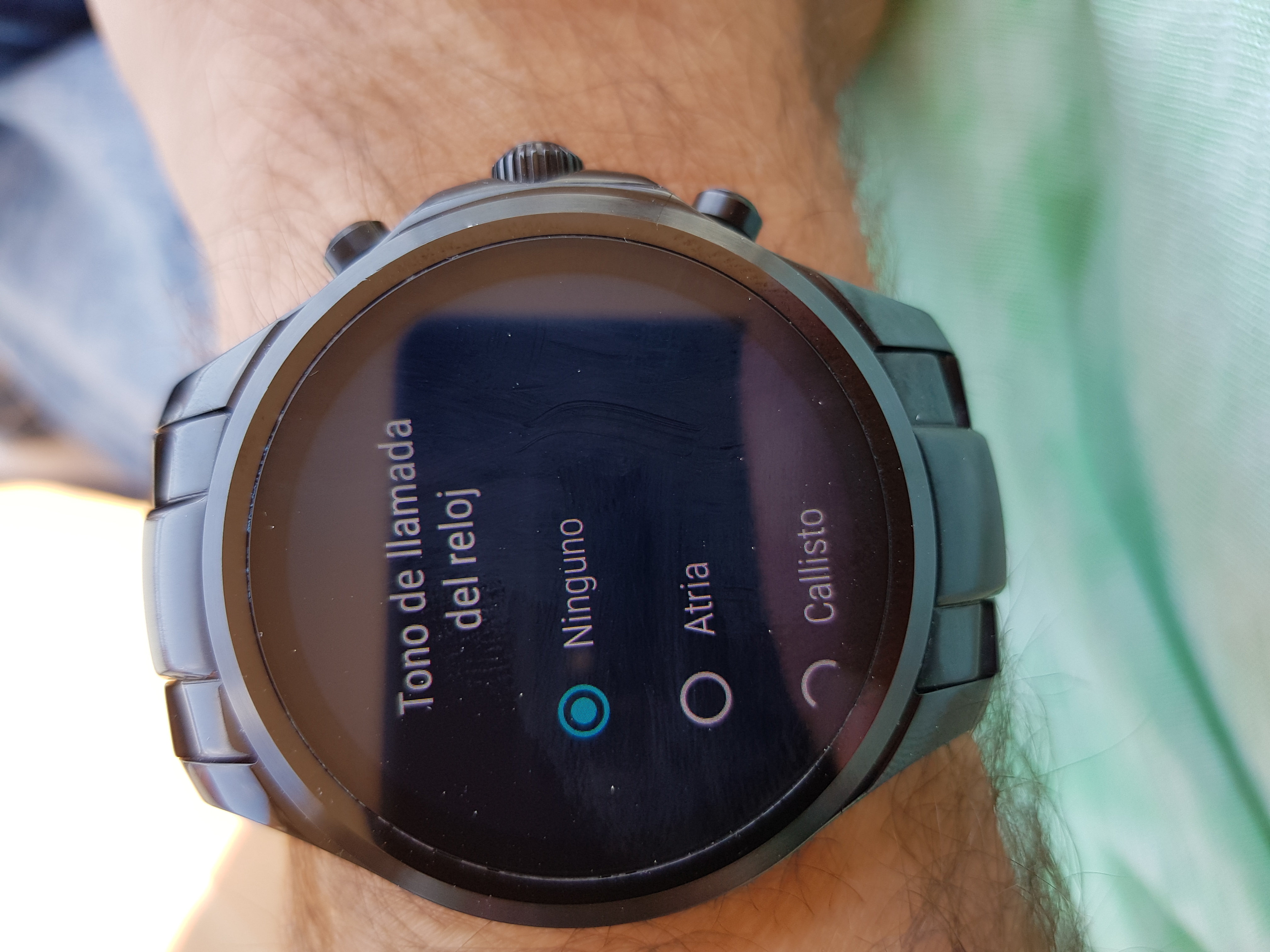 Ho to enable continuous vibrations on my Wear smartwatch