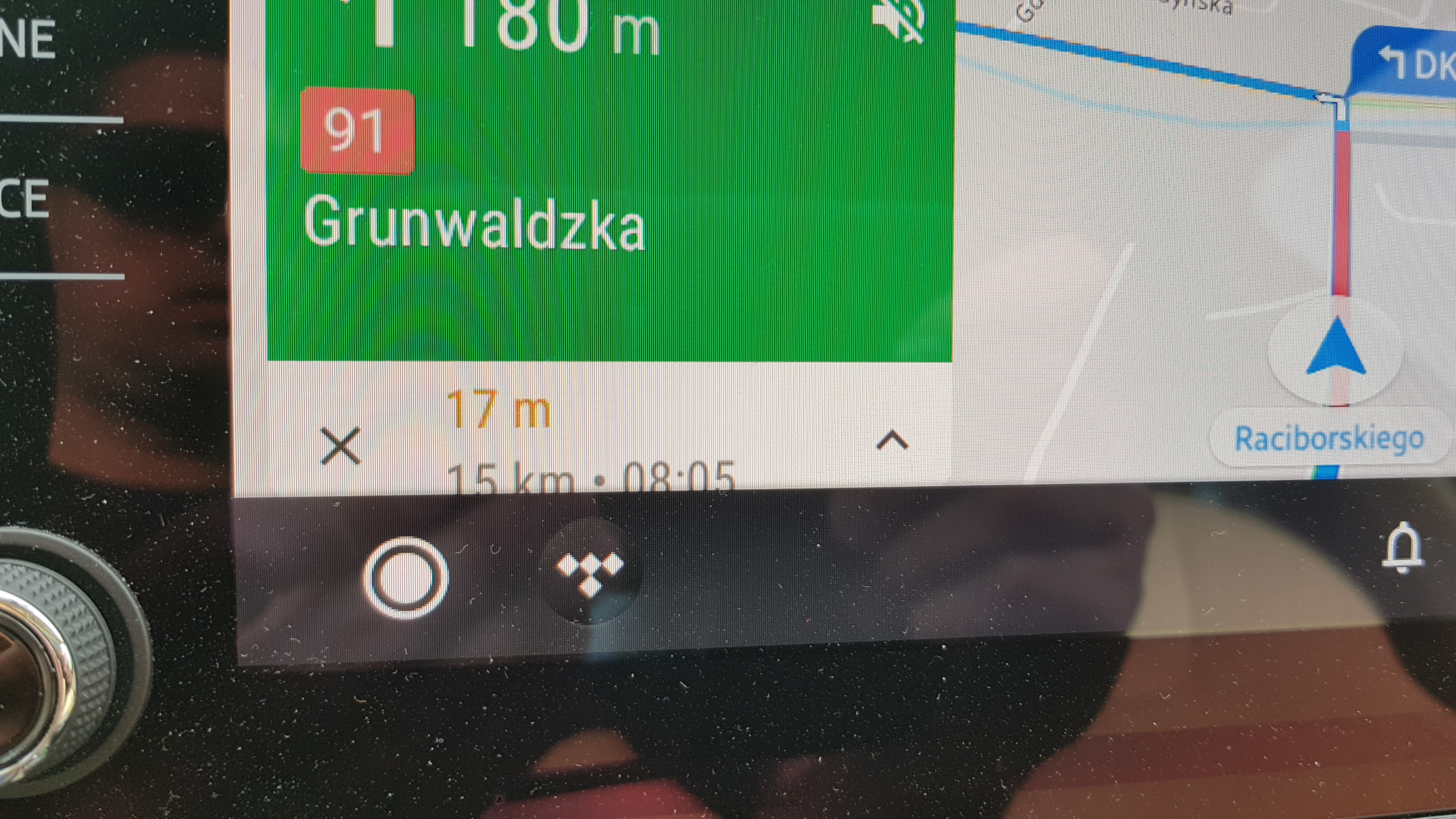 Display bug using Google maps with the new aa layout - Android Auto Help