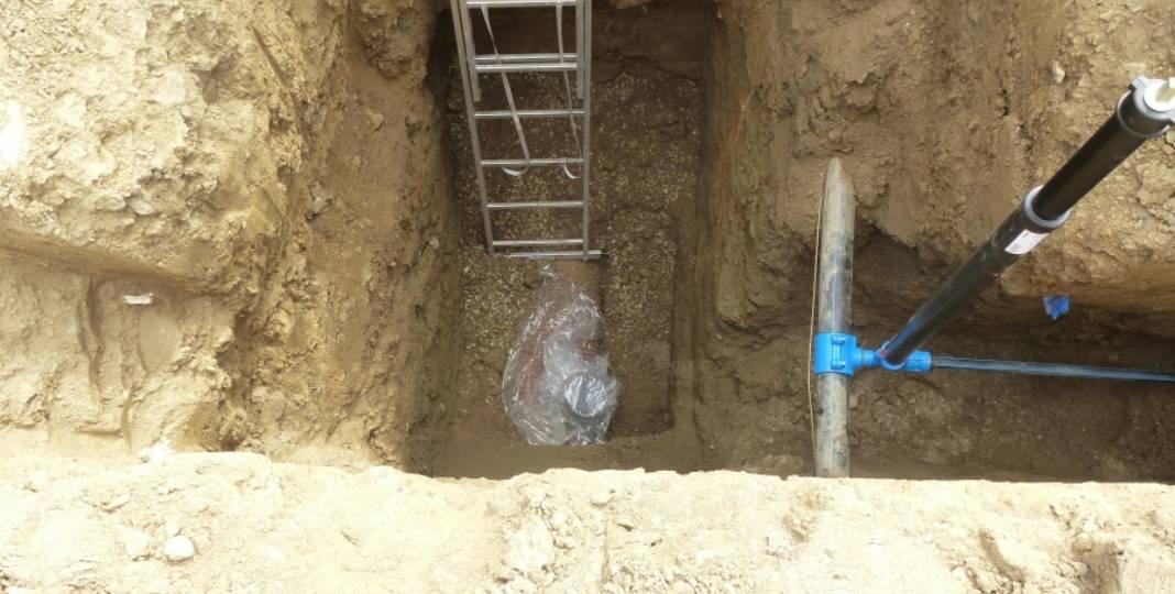 První kopání do země - kanalizační a vodoměrná šachta