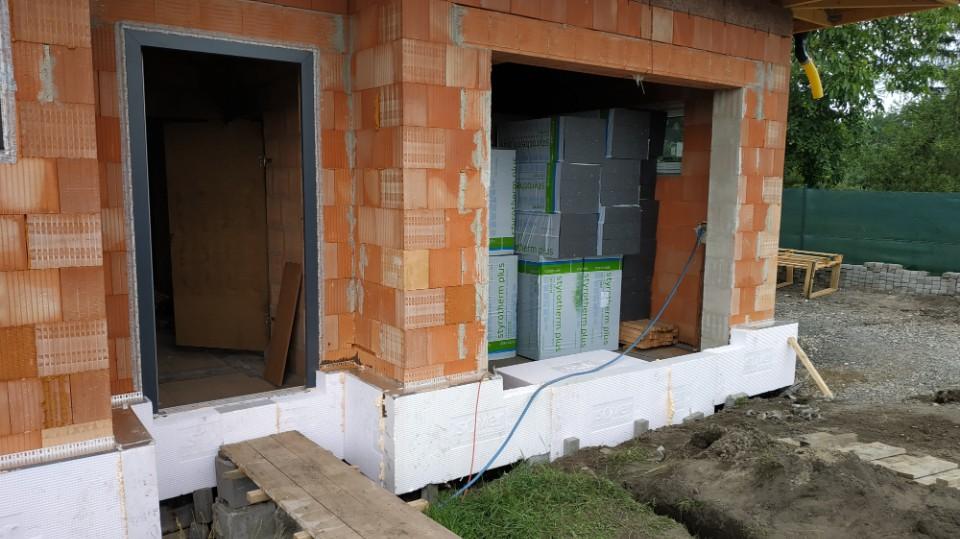 Stavba domu v pandemii - 9. purenitové boxy pro žaluzie, zateplení domu a soklu