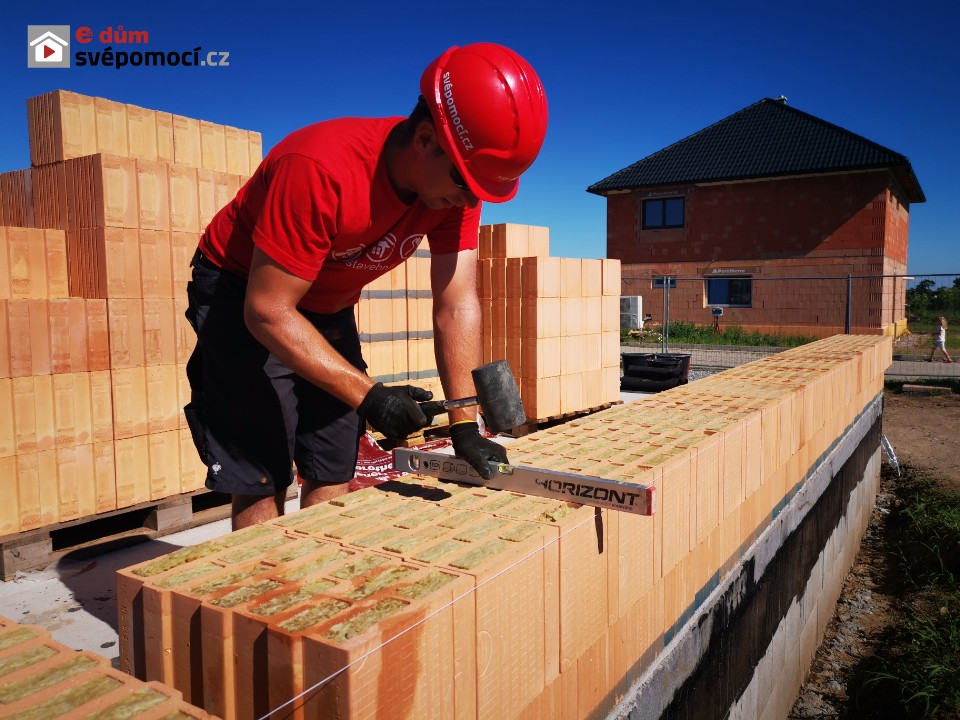 8. a 9. stavební týden – Zdění obvodového zdiva