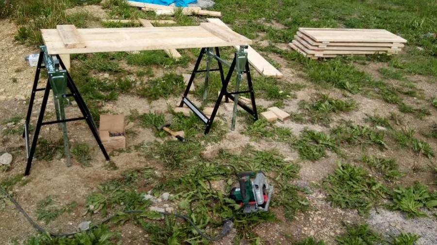Výroba podlážek na stavební kozy