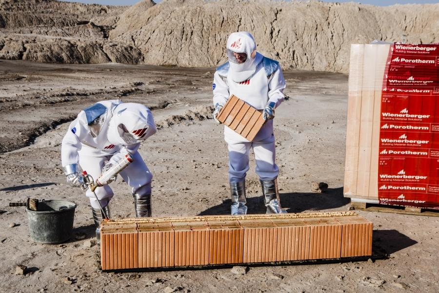 Rozhodnuto, první dům na Měsíci vyroste z cihel Porotherm