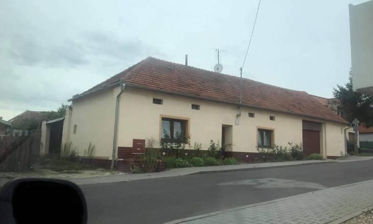 Rekonstrukce 100 let starého domu, část 1.