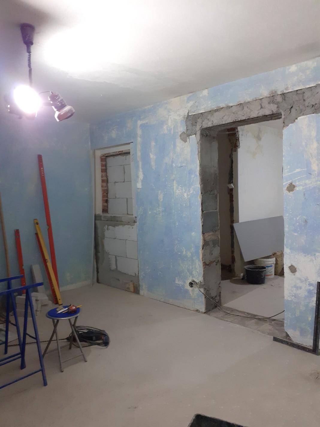 Horní část niky - pohled z obývacího pokoje
