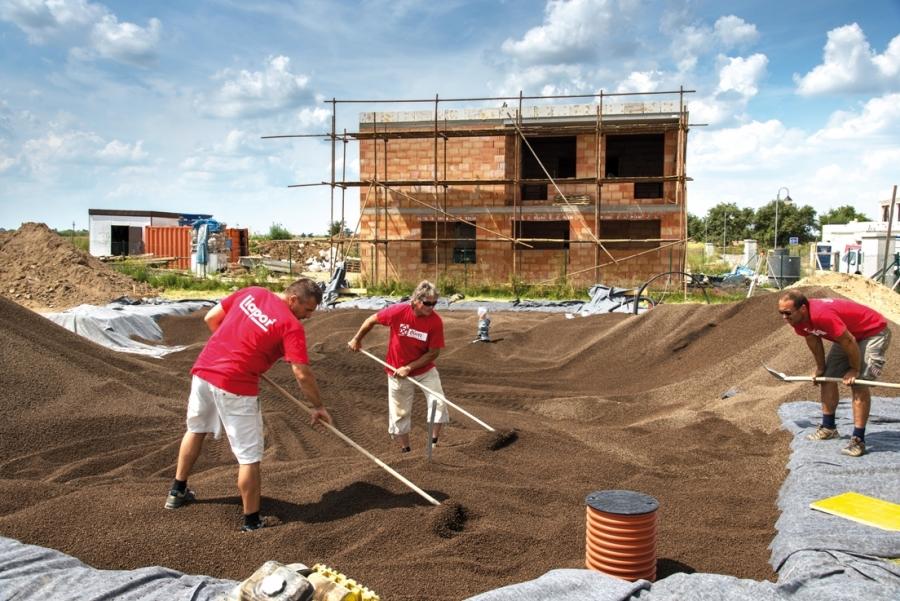 Do stavby domu investujte chytře - začněte již u základové desky